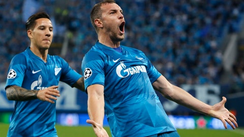 <p>               Zenit's Artem Dzyuba, right, celebrates after scoring the opening goal during the Champions League group G soccer match between Zenit St.Petersburg and Benfica at the Saint Petersburg stadium in St. Petersburg, Russia, Wednesday, Oct. 2, 2019. (AP Photo/Mike Kireev)             </p>