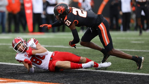 <p>               Utah tight end Brant Kuithe (80) lands in the end zone ahead of Oregon State defensive back Nahshon Wright (21) during the first half of an NCAA college football game in Corvallis, Ore., Saturday, Oct. 12, 2019. (AP Photo/Amanda Loman)             </p>