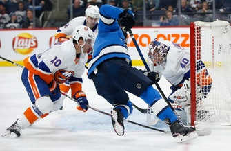 Mathew Barzal scores twice in 2nd, Islanders beat Jets 3-1