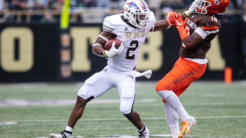 <p>               Western Michigan Broncos running back LeVante Bellamy (2) stiff arms Bowling Green Falcons defensive back Jordan Anderson (18) during the second quarter of an NCAA college football game in Kalamazoo, Mich., on Saturday, Oct. 26, 2019. (Joel Bissell/Kalamazoo Gazette via AP)             </p>
