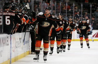 Fowler sets franchise record in Ducks' 7-4 win over Jets