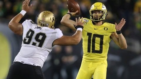 <p>               Colorado's Jalen Sami, left, rushes Oregon's Justin Herbert during the first quarter of an NCAA college football game Friday, Oct. 11, 2019, in Eugene, Ore. (AP Photo/Chris Pietsch)             </p>