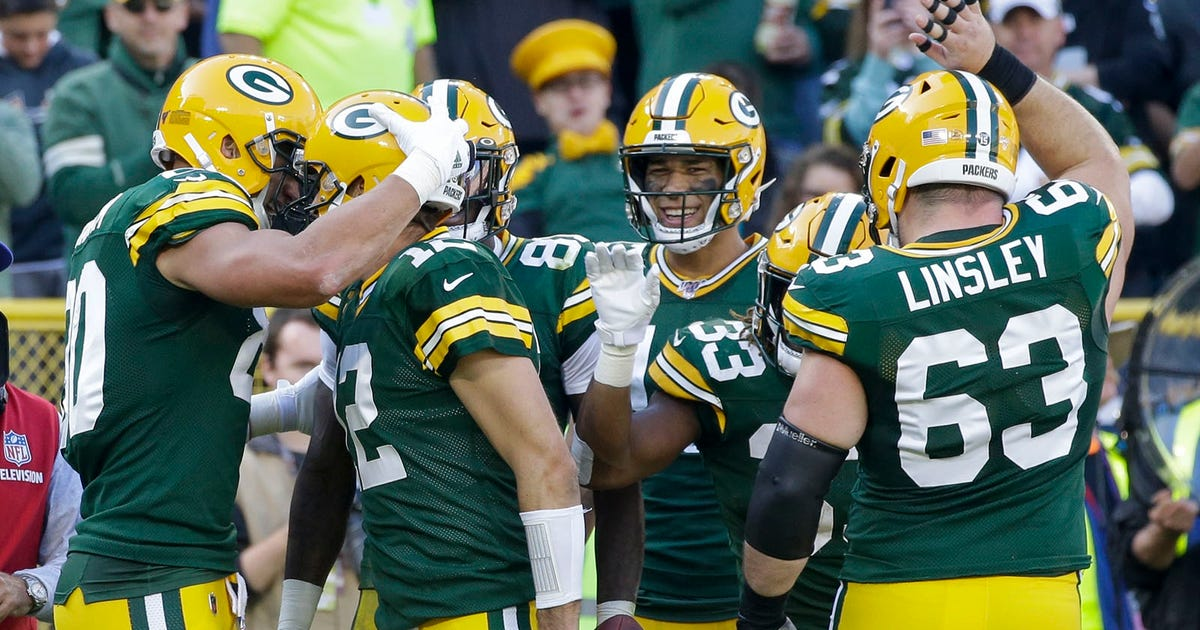 Rodgers posts perfect passer rating, Packers destroy Raiders 42-24 | FOX Sports