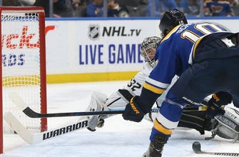 Three power-play goals lift Blues to 5-2 win over Kings