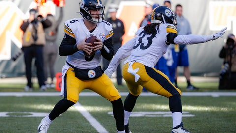 <p>               Pittsburgh Steelers quarterback Devlin Hodges (6) looks to pass during the second half an NFL football game against the Cincinnati Bengals, Sunday, Nov. 24, 2019, in Cincinnati. (AP Photo/Frank Victores)             </p>
