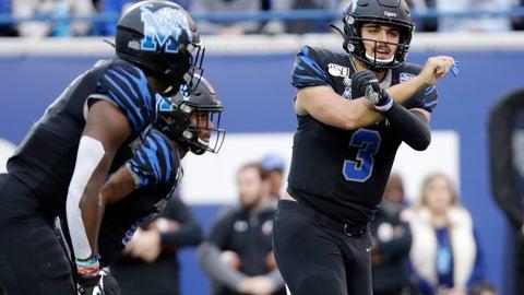 <p>               Memphis quarterback Brady White (3) calls a play against Cincinnati in the first half of an NCAA college football game Friday, Nov. 29, 2019, in Memphis, Tenn. (AP Photo/Mark Humphrey)             </p>