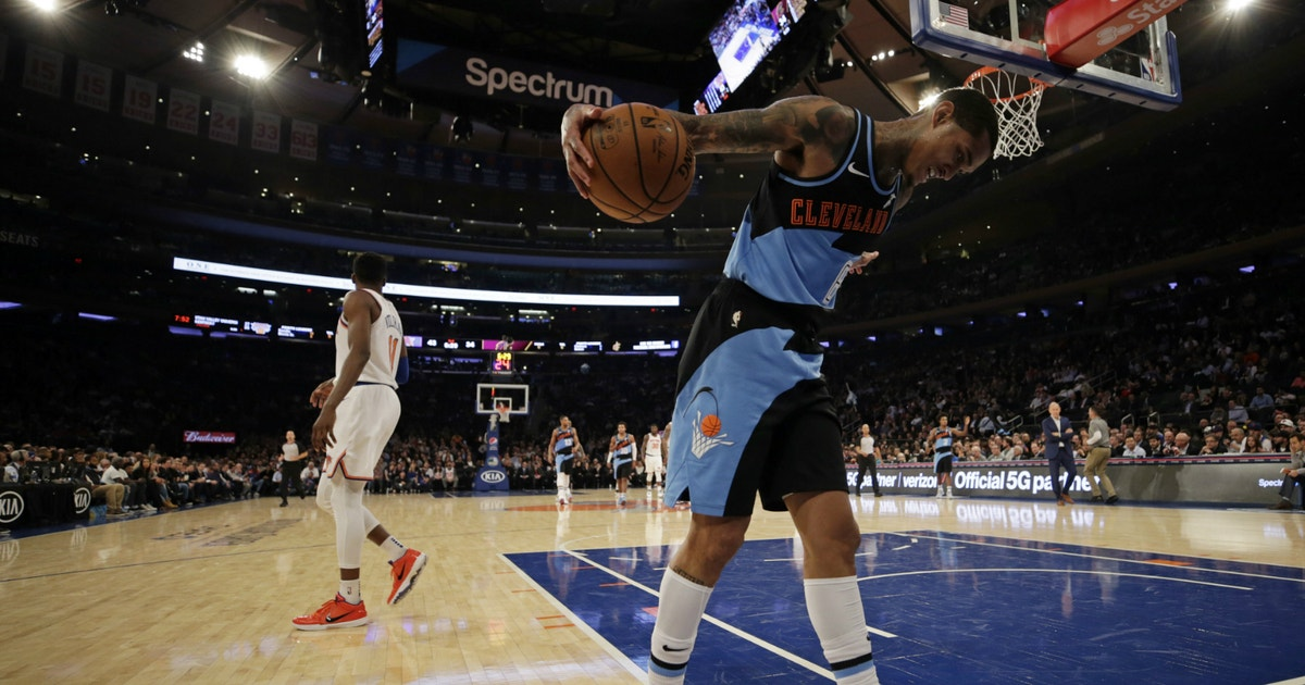 Short-handed Cavaliers drop fourth straight to Knicks, 123-105 | FOX Sports