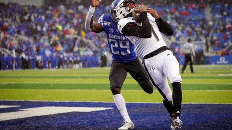 <p>               Louisville wide receiver Tutu Atwell (1) catches a touchdown pass during the first half of the NCAA college football game against Kentucky, Saturday, Nov. 30, 2019, in Lexington, Ky. (AP Photo/Bryan Woolston)             </p>