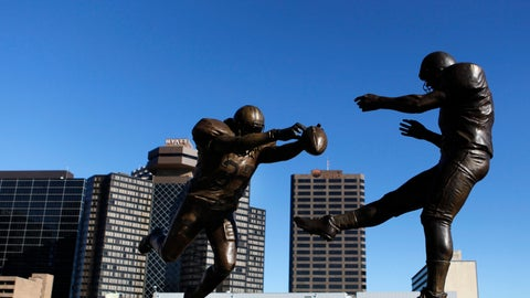 <p>               FILE - This Thursday, Nov. 8, 2012 file photo shows the bronze statue titled 'Rebirth,' which shows former New Orleans Saint Steve Gleason blocking a punt against the Atlanta Falcons outside the Mercedes-Benz Superdome in New Orleans. The half-century-old rivalry between the Atlanta Falcons and New Orleans Saints produced a moment so poignant that a statue was placed outside the Superdome to commemorate it.  (AP Photo/Gerald Herbert, File)             </p>