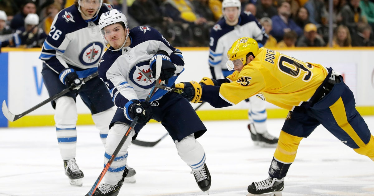 Hellebuyck's 38 saves lead Jets past Predators 2-1 | FOX Sports
