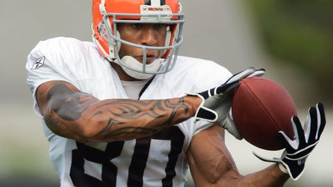 <p>               FILE - In this July 27, 2006 file photo, Cleveland Browns' Kellen Winslow Jr. catches a pass during NFL football training camp practice in Berea, Ohio. Winslow is returning to court five months after being convicted of raping a homeless woman to be retried on rape charges involving other women. The prosecution and defense plan to give their opening statements Monday, Nov. 4, 2019. (AP Photo/Mark Duncan, File)             </p>