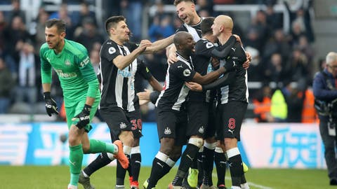 <p>               Newcastle United's Jonjo Shelvey, right, celebrates scoring his side's second goal of the game during the English Premier League soccer match between Newcastle United and Manchester City at St James' Park, Newcastle, England, Saturday, Nov. 30, 2019. (Owen Humphreys/PA via AP)             </p>