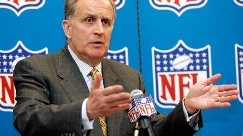 <p>               FILE - In this May 2, 2006, file photo, NFL Commissioner Paul Tagliabue responds to question at a news conference at the Dallas-Fort Worth International Airport in Grapevine, Texas. NFL team owners knew in 1989 they needed a leader who was going to bring the league out of the dark decade of the 1980s, when litigation, labor troubles and stagnant TV ratings dramatically slowed the growth of the league and hastened Pete Rozelle's departure. They chose Tagliabue. (AP Photo/Tony Gutierrez, File)             </p>