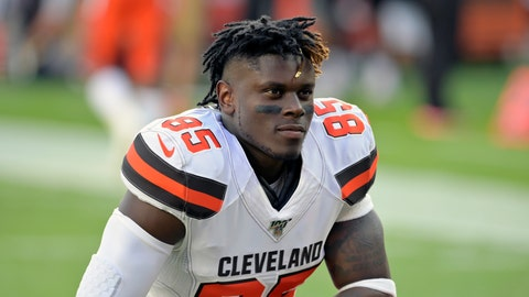 <p>               FILE - In this Aug. 8, 2019, file photo, Cleveland Browns tight end David Njoku kneels on the field before an NFL preseason football game against the Washington Redskins, in Cleveland. Njoku has returned to practice after missing eight games with a broken right wrist. Njoku was injured in Cleveland's win over the New York Jets on Sept. 16. The Browns designated Njoku for return from injured reserve on Wednesday, Nov. 20, 2019. (AP Photo/David Richard, File)             </p>