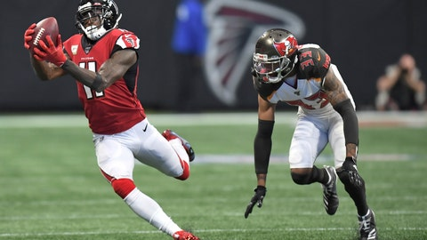 <p>               Atlanta Falcons wide receiver Julio Jones (11) makes the catch against Tampa Bay Buccaneers cornerback Carlton Davis (33) during the first half of an NFL football game, Sunday, Nov. 24, 2019, in Atlanta. (AP Photo/Danny Karnik)             </p>