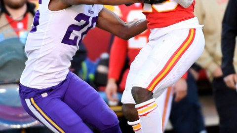 <p>               Kansas City Chiefs wide receiver Tyreek Hill (10) makes a 41-yard catch against Minnesota Vikings cornerback Trae Waynes (26) during the second half of an NFL football game in Kansas City, Mo., Sunday, Nov. 3, 2019. (AP Photo/Reed Hoffmann)             </p>