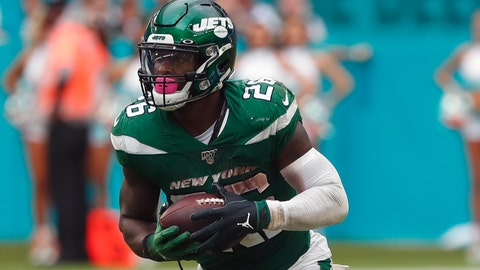 <p>               FILE - In this Sunday, Nov. 3, 2019, file photo, New York Jets running back Le'Veon Bell (26) runs during the second half of an NFL football game against the Miami Dolphins, in Miami Gardens, Fla. Bell had an MRI on one of his knees, and the Jets are awaiting the results to see if the star running back will need to miss any time. Coach Adam Gase says Monday, he's unsure when Bell was injured during New York's 26-18 loss at Miami on Sunday. Gase learned of it Monday morning when Bell had to miss team meetings to undergo the tests.(AP Photo/Wilfredo Lee, File)             </p>