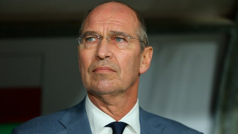 <p>               FILE - In this Sunday, Jan. 20, 2019 file photo, Oman's head coach Pim Verbeek attends the AFC Asian Cup round of 16 soccer match in Abu Dhabi, United Arab Emirates. Pim Verbeek, the Dutchman who became the head coach of South Korea and Australia, has died at the age of 63. Verbeek, who appeared for Sparta Rotterdam as a player, passed away Thursday, Nov. 28, 2019 after a four-year battle with cancer.  (AP Photo/Kamran Jebreili)             </p>