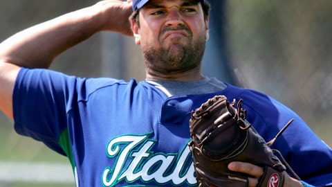 <p>               FILE - In this March 3, 2006, file photo, World Baseball Classic series Italian team catcher Mike Piazza winds up for a throw during a team workout in Lakeland, Fla. Hall of Fame catcher Mike Piazza says he has agreed to become manager of Italy's national baseball team. The 51-year-old Piazza, who was born in Norristown, Pennsylvania, is of Italian ancestry. He tweeted Wednesday, Nov. 13, 2019,  he will manage Italy at a European tournament in 2020 and at the 2021 World Baseball Classic. (AP Photo/Steven Senne, File)             </p>