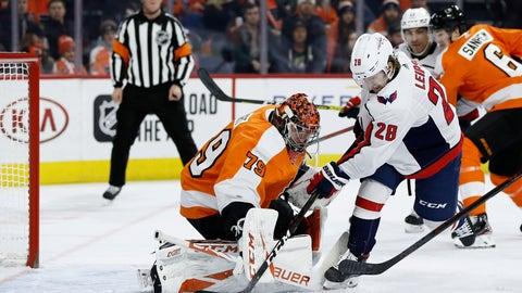 <p>               Washington Capitals' Brendan Leipsic (28) scores a goal against Philadelphia Flyers' Carter Hart (79) during the first period of an NHL hockey game, Wednesday, Nov. 13, 2019, in Philadelphia. (AP Photo/Matt Slocum)             </p>