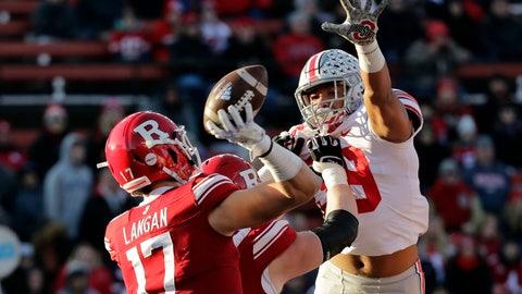 <p>               Ohio State linebacker Malik Harrison pressures Rutgers quarterback Johnny Langan during the first half of an NCAA college football game Saturday, Nov. 16, 2019, in Piscataway, N.J. Ohio State won 56-21. (AP Photo/Adam Hunger)             </p>