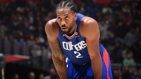 LOS ANGELES, CA - NOVEMBER 3: Kawhi Leonard #2 of the LA Clippers looks on during a game against the LA Clippers on November 3, 2019 at STAPLES Center in Los Angeles, California. NOTE TO USER: User expressly acknowledges and agrees that, by downloading and/or using this Photograph, user is consenting to the terms and conditions of the Getty Images License Agreement. Mandatory Copyright Notice: Copyright 2019 NBAE (Photo by Adam Pantozzi/NBAE via Getty Images)