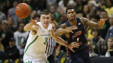 <p>               Oregon's Payton Pritchard, left, forces a turnover against Fresno State's New Williams during the first half of an NCAA college basketball game in Eugene, Ore., Tuesday, Nov. 5, 2019. (AP Photo/Chris Pietsch)             </p>