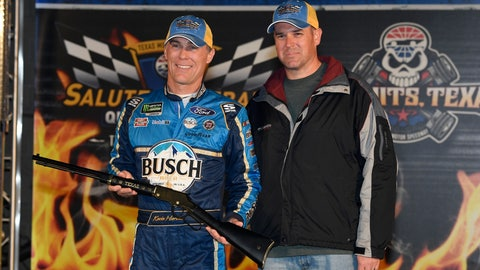 <p>               Kevin Harvick, left, poses with local military veteran Joshua Hoscheid, right, in Victory Lane after Harvick won the pole for Saturday's NASCAR Cup Series auto race at Texas Motor Speedway in Fort Worth, Texas, Saturday, Nov. 2, 2019. (AP Photo/Larry Papke)             </p>