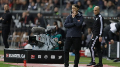 <p>               Bayern's head coach Niko Kovac reacts as he watches his team play during a German Bundesliga soccer match between Eintracht Frankfurt and Bayern Munich in the Commerzbank Arena in Frankfurt, Germany, Saturday, Nov. 2, 2019. (AP Photo/Michael Probst)             </p>