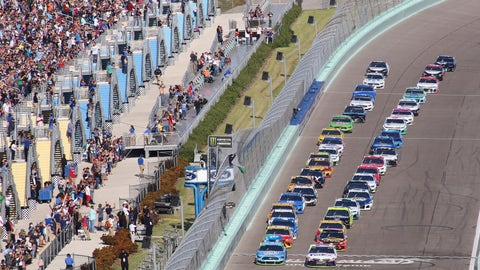 <p>               Denny Hamlin (11) leads the field to start a NASCAR Cup Series auto race on Sunday, Nov. 17, 2019, at Homestead-Miami Speedway in Homestead, Fla. (AP Photo/Jim Topper)             </p>