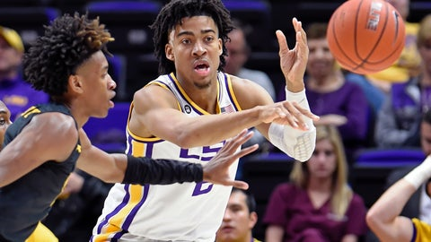 <p>               LSU forward Trendon Watford (2) makes the outlet pass as Maryland-Baltimore County guard Keondre Kennedy (0) applies pressure during the second half of an NCAA college basketball game Tuesday, Nov. 19, 2019, in Baton Rouge, La. LSU won 77-50. (AP Photo/Bill Feig)             </p>