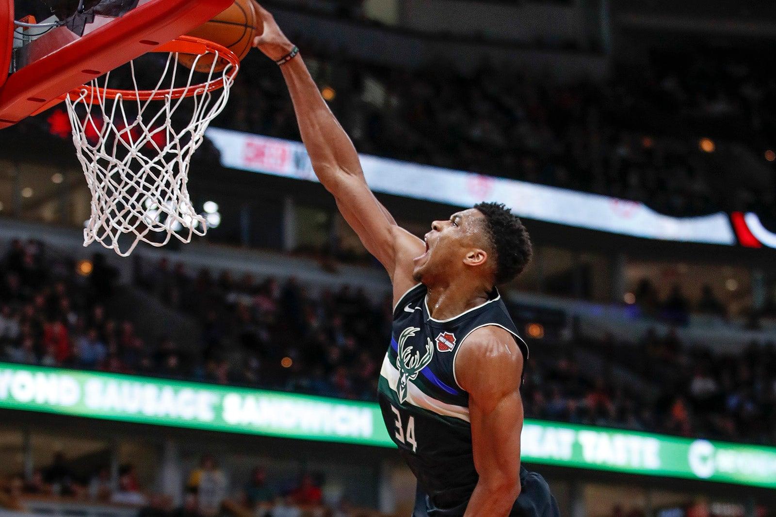 NBA, NBA: la TOP 10 delle giocate più belle della notte 19 novembre