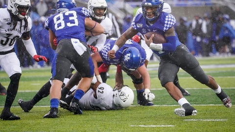 <p>               Kentucky quarterback Lynn Bowden Jr. (1) runs for a touchdown during the first half of the NCAA college football game against Louisville, Saturday, Nov. 30, 2019, in Lexington, Ky. (AP Photo/Bryan Woolston)             </p>