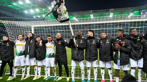 <p>               Moenchengladbach's team celebrates after winning the German Bundesliga soccer match between Borussia Moenchengladbach and SC Freiburg in Moenchengladbach, Germany, Sunday, Dec. 1, 2019. (AP Photo/Martin Meissner)             </p>