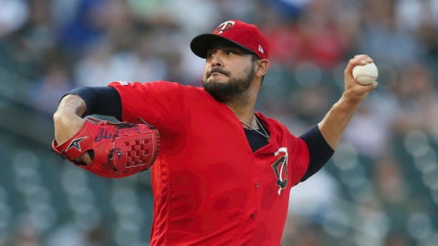 <p>               FIEL - In this Sept. 17, 2019, file photo, Minnesota Twins pitcher Martin Pérez throws against the Chicago White Sox in the first inning of a baseball game in Minneapolis. People familiar with the negotiations tell The Associated Press on Friday, Dec. 13, 2019, that the Boston Red Sox have agreed to one-year contracts with free agent left-hander Martin Pérez and shortstop José Peraza. The people spoke on the condition of anonymity because the deals had not yet been announced. (AP Photo/Jim Mone, File)             </p>