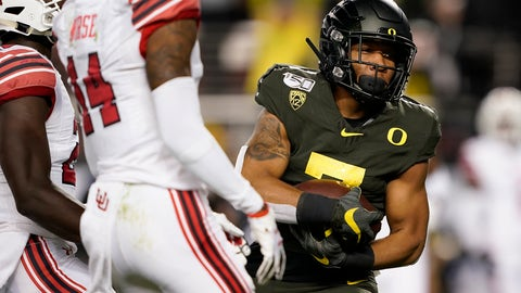 <p>               Oregon running back CJ Verdell (7) runs into the end zone for a touchdown against Utah during the first half of the Pac-12 Conference championship NCAA college football game in Santa Clara, Calif., Friday, Dec. 6, 2018. (AP Photo/Tony Avelar)             </p>