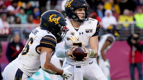 <p>               California quarterback Chase Garbers (7) hands off to running back DeShawn Collins (26) against Illinois during the second half of the Redbox Bowl NCAA college football game Monday, Dec. 30, 2019, in Santa Clara, Calif. (AP Photo/Tony Avelar)             </p>