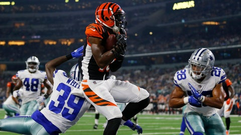 <p>               File-This Aug. 18, 2018 file photo shows Cincinnati Bengals wide receiver John Ross, center, making a catch to complete a two point conversion between Dallas Cowboys cornerback Marquez White (39) and safety Jameill Showers (28) during a preseason NFL Football game in Arlington, Texas. Ross returns this week from a shoulder injury, giving the Cincinnati Bengals the deep threat they've lacked. He was injured during a Monday night game in Pittsburgh. (AP Photo/Roger Steinman, File)             </p>