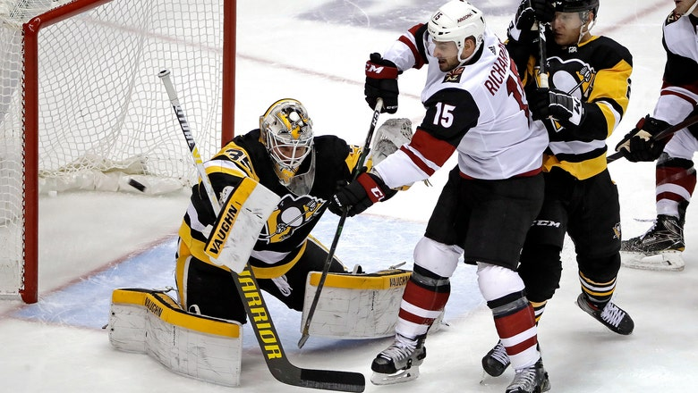 Jarry spoils Kessel's return, Penguins beat Coyotes 2-0