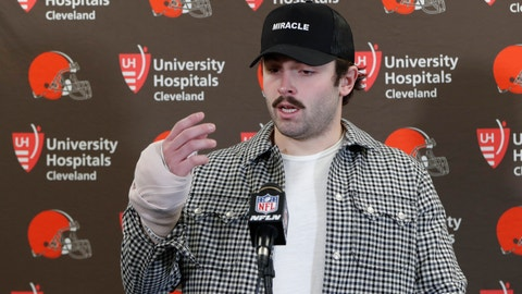 <p>               Cleveland Browns quarterback Baker Mayfield answers questions about his injured hand during a news conference after an NFL football game against the Pittsburgh Steelers, Sunday, Dec. 1, 2019, in Pittsburgh. (AP Photo/Don Wright)             </p>