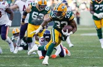 Jones scores twice, Packers hold off Bears 21-13