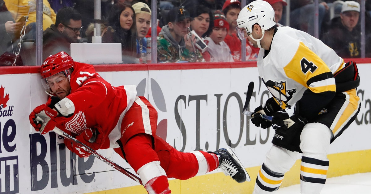 Red Wings' skid reaches 11 after 5-3 loss to Penguins