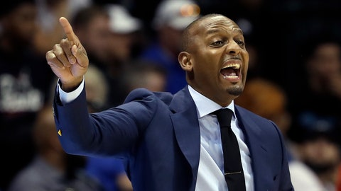 <p>               Memphis head coach Penny Hardaway calls a play during the first half of an NCAA college basketball game against South Florida, Sunday, Jan. 12, 2020, in Tampa, Fla. (AP Photo/Chris O'Meara)             </p>