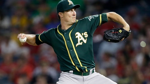 <p>               FILE - In this Sept. 24, 2019, file photo, Oakland Athletics starting pitcher Homer Bailey throws to a Los Angeles Angels batter during the first inning of a baseball game, in Anaheim, Calif. Rich Hill can earn $9.5 million in performance bonuses in his contract with the Minnesota Twins and Homer Bailey can earn $1 million. A 33-year-old right-hander, Bailey was 13-9 with a 4.57 ERA last year for Kansas City and Oakland. (AP Photo/Alex Gallardo, File)             </p>