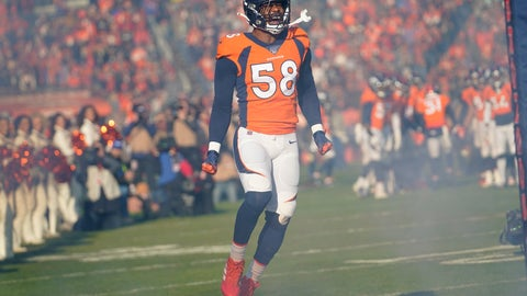 <p>               FILE - In this Dec. 29, 2019 file photo, Denver Broncos outside linebacker Von Miller reacts before an NFL football game against the Oakland Raiders in Denver.  Miller's read on the Super Bowl is this: Patrick Mahomes and the Kansas City Chiefs will be a handful. The Broncos Pro Bowl pass rusher knows that from first-hand experience. But he's predicting a San Francisco 49ers win.(AP Photo/Jack Dempsey)             </p>