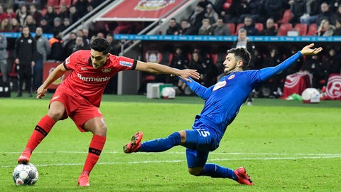 <p>               Duesseldorf's Matthias Zimmermann, right, fouls Leverkusen's Nadiem Amiri in the penalty zone during the German Bundesliga soccer match between Bayer Leverkusen and Fortuna Duesseldorf in Leverkusen, Germany, Sunday, Jan. 26, 2020. (AP Photo/Martin Meissner)             </p>