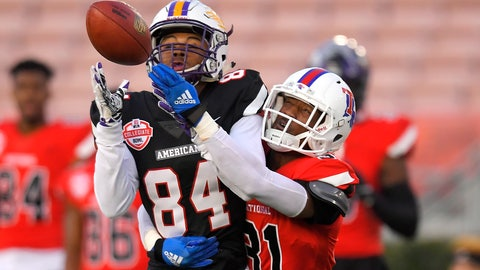 <p>               American Team wide receiver Juwan Green, left, of Albany, attempts a catch only to have it broken up by National Team cornerback L'Jarius Sneed, of Louisiana Tech, during the first half of the Collegiate Bowl college football game Saturday, Jan. 18, 2020, in Pasadena, Calif. (AP Photo/Mark J. Terrill)             </p>