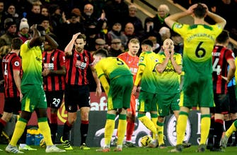 EPL ref consults monitor, sends off player in Norwich