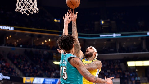 <p>               Golden State Warriors center Willie Cauley-Stein, right, shoots against Memphis Grizzlies forward Brandon Clarke (15) in the first half of an NBA basketball game Sunday, Jan. 12, 2020, in Memphis, Tenn. (AP Photo/Brandon Dill)             </p>