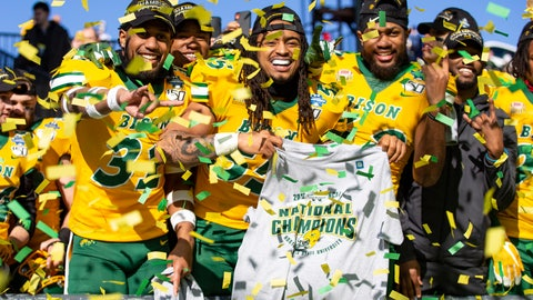 <p>               North Dakota State linebackers Jasir Cox (31), Aaron Mercadel (55), and Jabril Cox (42) celebrate after beating James Madison 28-20 in FCS championship NCAA college football game, Saturday, Jan. 11, 2020, in Frisco, Texas. (AP Photo/Sam Hodde)             </p>